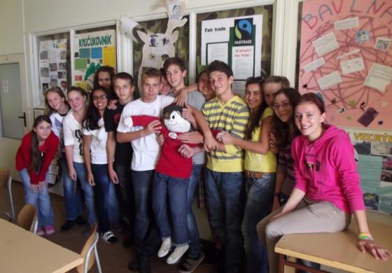 Svetobežník Elwood navštívil skalické gymnázium
