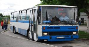 Nehoda linkového autobusu a dvoch áut si vyžiadala niekoľko zranených