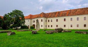 Slovenský stonehenge je v Holíči, tvrdí Refresher.