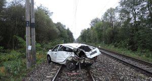 Pri obci Borský Svätý Jur narazil vlak do auta!