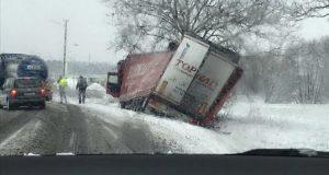 Sneh na Záhorí prináša prvé nehody!