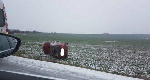 Sneh na Záhorí spôsobil niekoľko dopravnách nehôd!