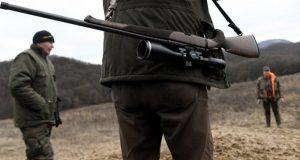 Pri polovačke postrelili 43 ročného muža z Gbelov!