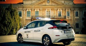 Mestská polícia v Malackách bude jazdiť elektromobilom!