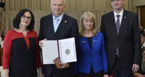 Seničan Pavol Paradeiser získal najvyššie ocenenie v rezorte školstva!
