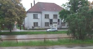 FOTO: Trvalý dážď zaplavuje Záhorie! Vydaná výstraha tretieho stupňa!