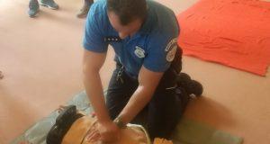 Mestská polícia Skalica získala od anonymného sponzora externý defibrilátor!