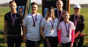 10 medailí a nové rekordy v podaní lukostreleckého klubu senica na Majstrovstvách Slovenska.