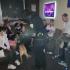 Policajti kontrolovali mládež v baroch, zopár mladých vysvedčenie aj zapíjalo!
