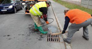 V Senici vyčistili viac ako 600 kanalizačných vpustí