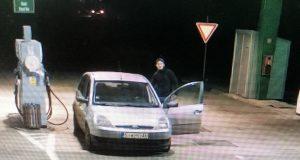 Šofér v Radošovciach na evidenčných číslach z iného auta natankoval a bez zaplatenia odišiel.