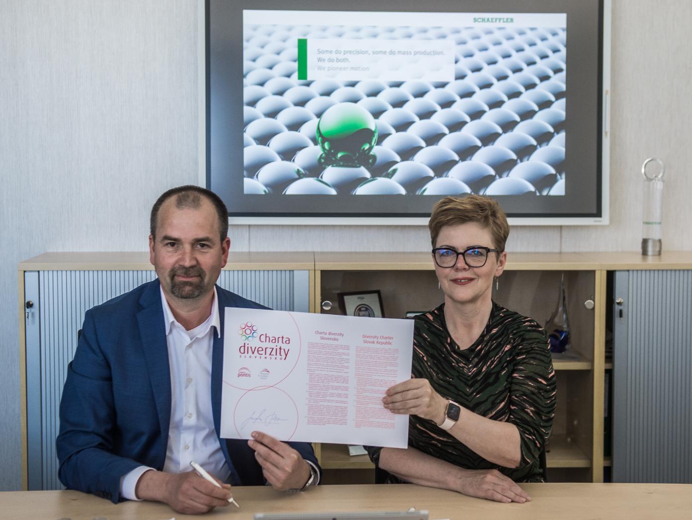 Miroslav Janota, Eva Jurkovičová - podpis Charty